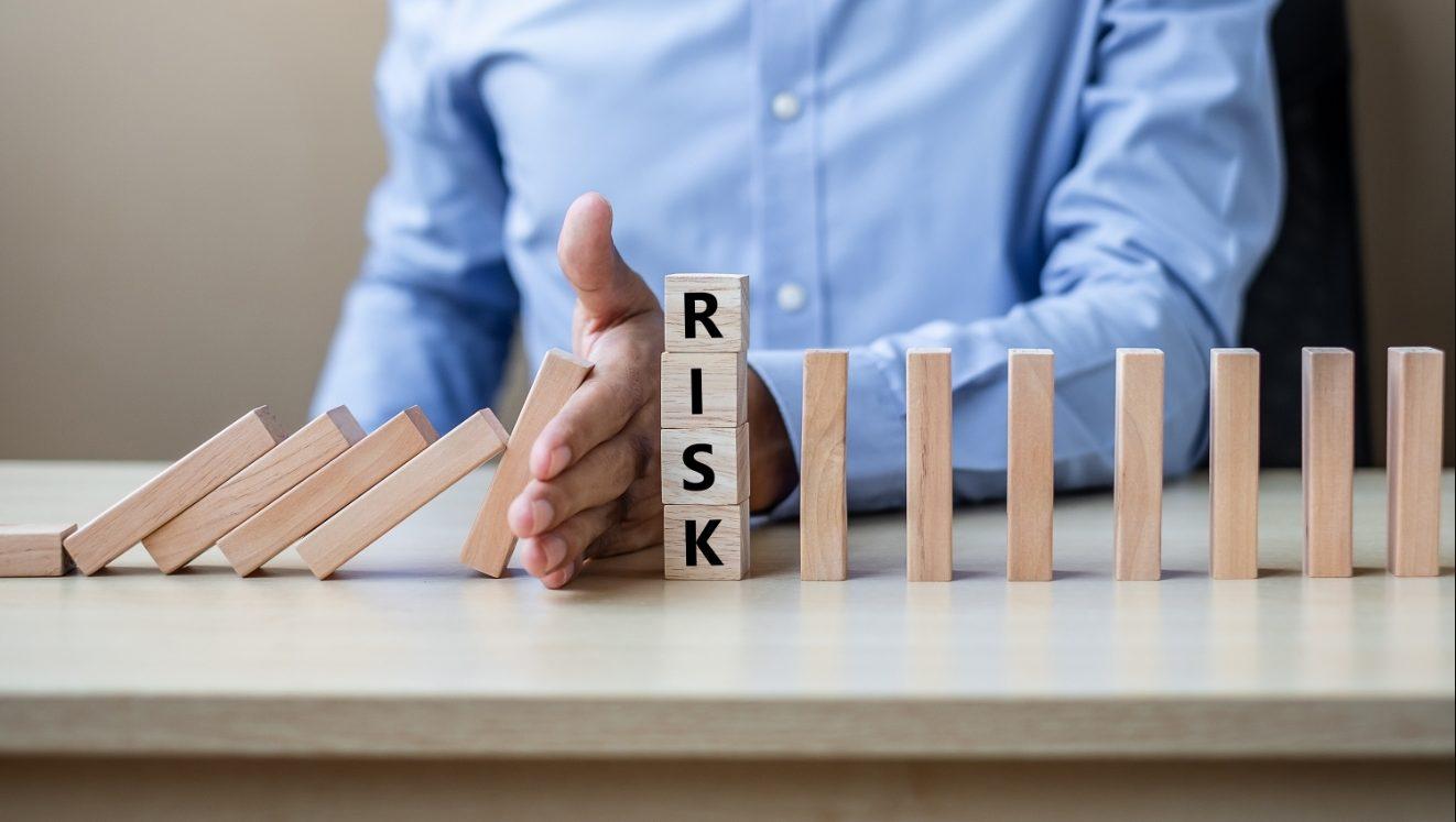 risiko keuangan