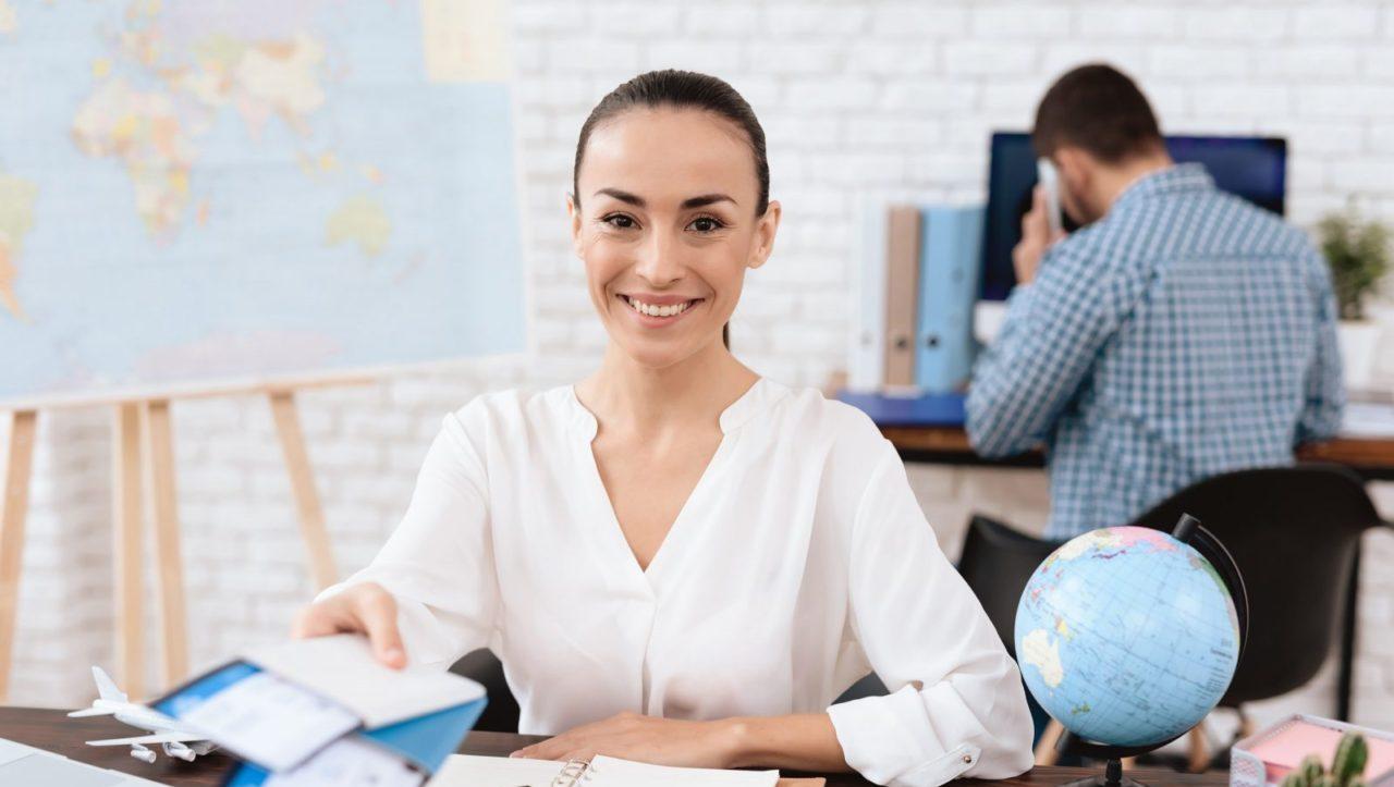 laporan keuangan travel agent