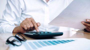 Contoh Soal Jurnal Penyesuaian Untuk Perusahaan Jasa dan Dagang