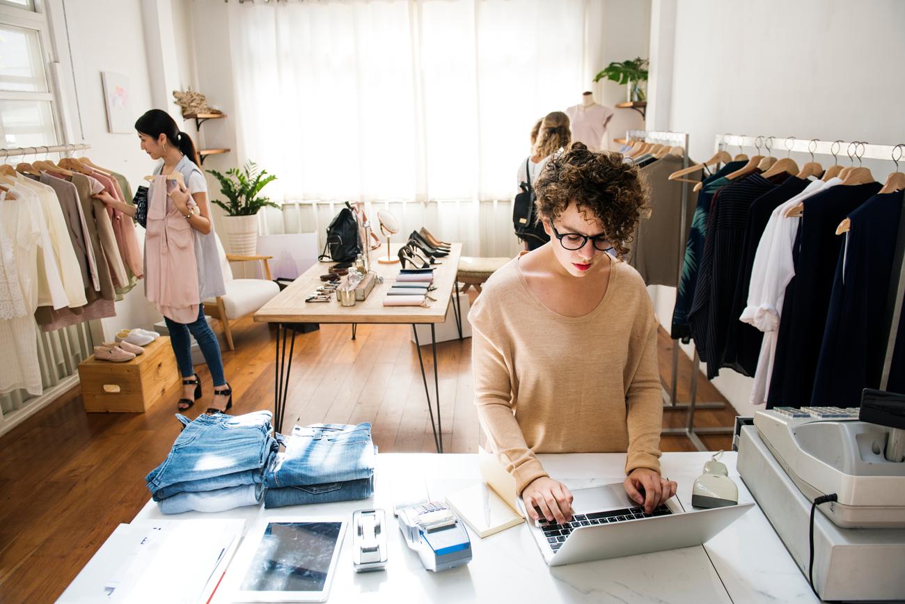 bisnis fashion bertahan selama pandemi