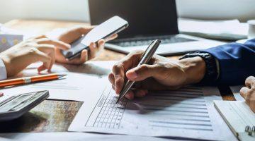 Mencatat Jurnal Penyesuaian Perusahaan Dagang dan Contoh Soalnya