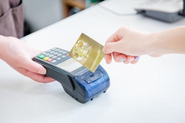 Kartu kredit alat pembayaran internasional
