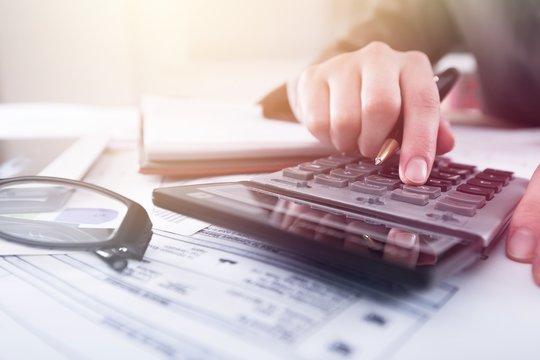 Definisi pemindahbukuan pajak