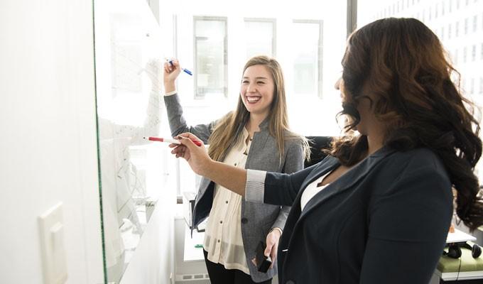 Kasih kesempatan karyawan dalam mengembangkan diri