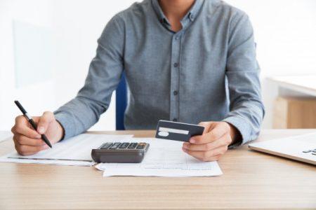Menghitung rasio hutang