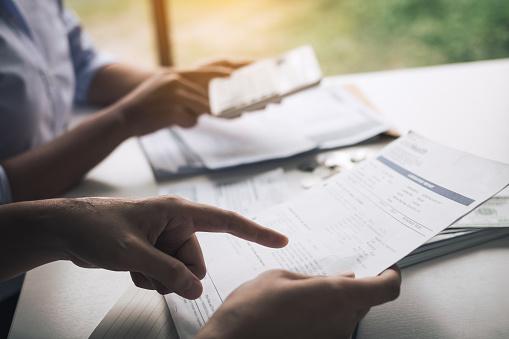 Mencatat jurnal pembayaran piutang