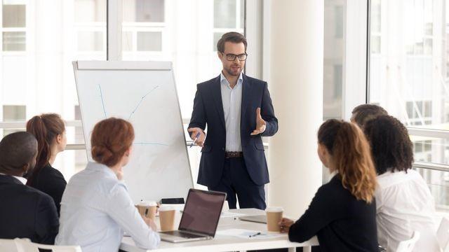 Tahap yang dilakukan dalam sales pipeline
